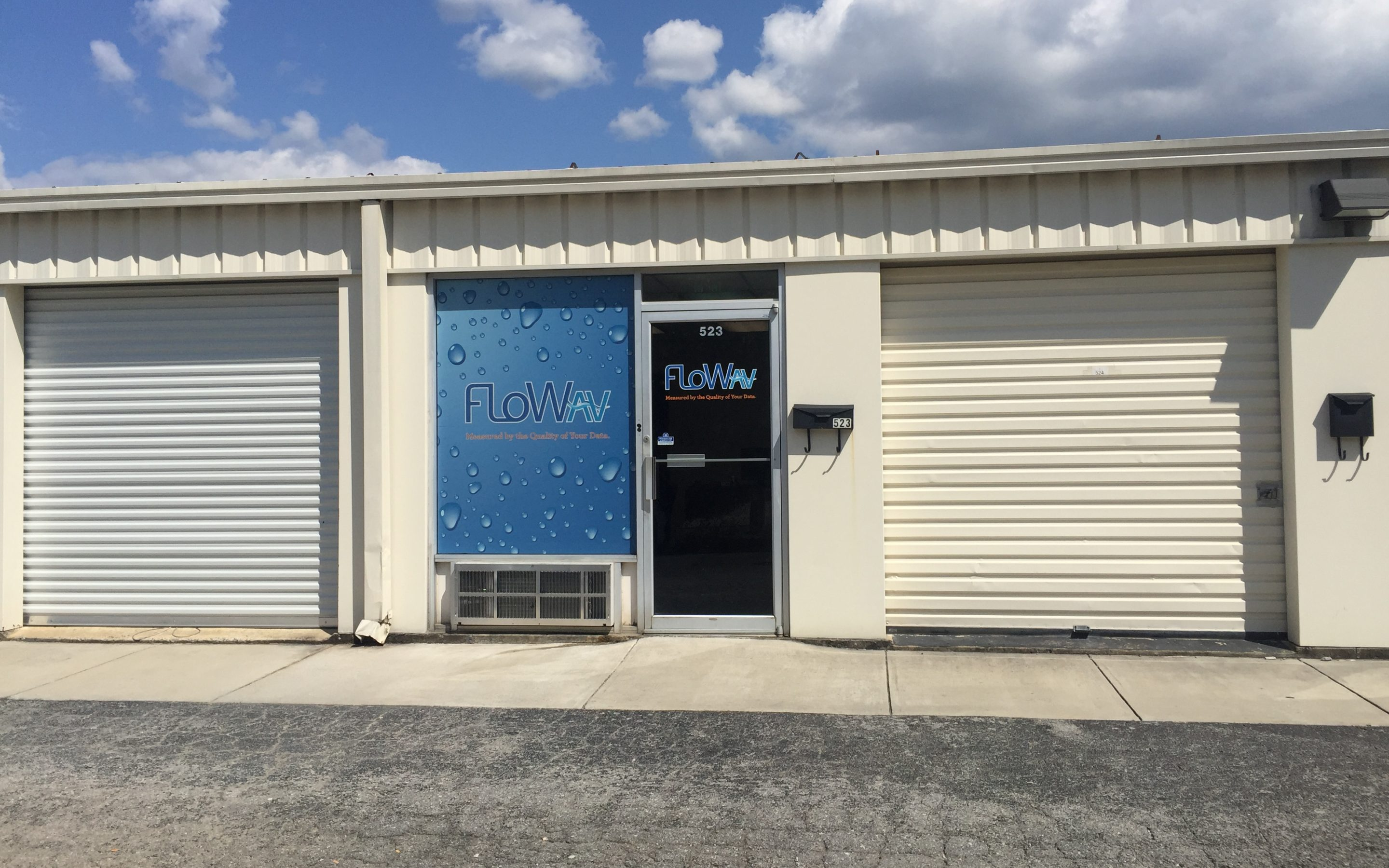 FloWav's Service – Support Staff Sports New Space